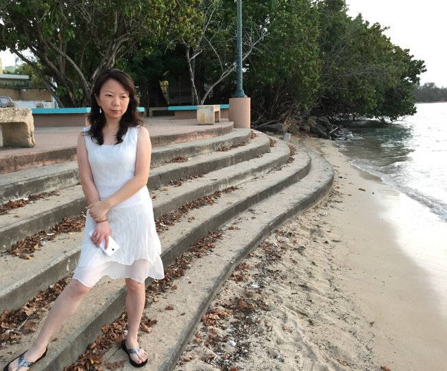 Helen at Seven Seas beach, Fajardo (3, cropped)