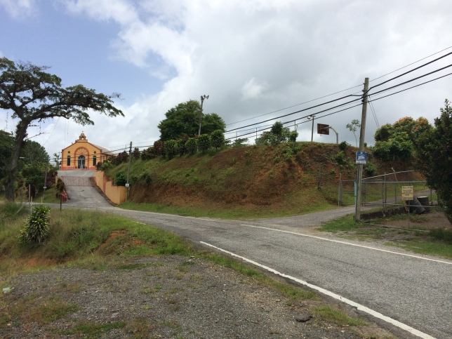 Iglesia de San Patricio, La Pica, with basketball goal