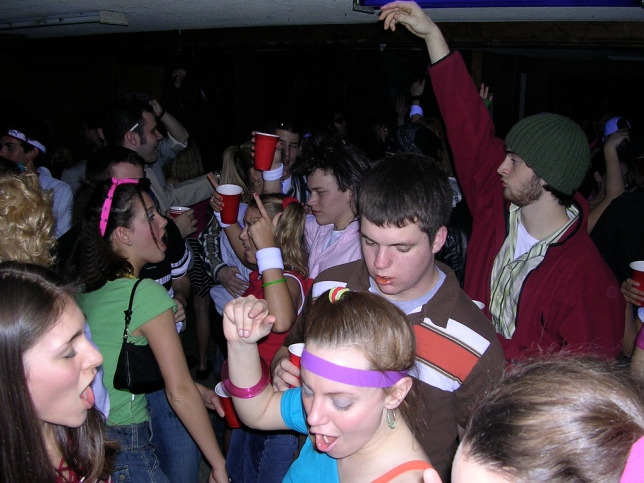 frat-party1